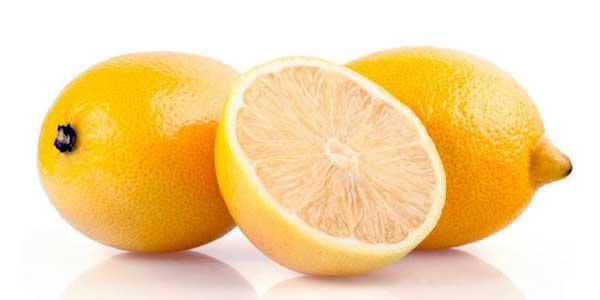 beneficios del limon con agua