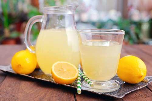 beneficios del agua con limon y jengibre