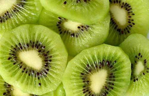 beneficios del kiwi en ayunas