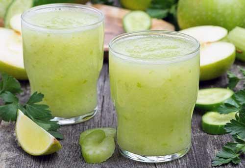 beneficios del limon con agua tibia por la noche