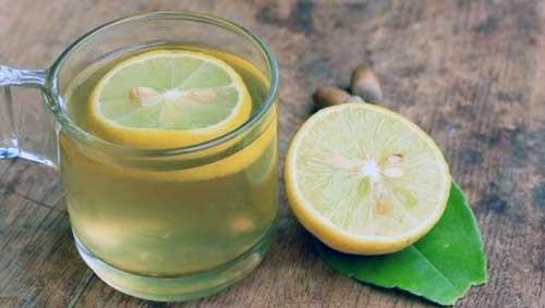 beneficios del zumo de limon en ayunas