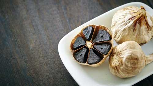 beneficios del ajo negro en ayunas