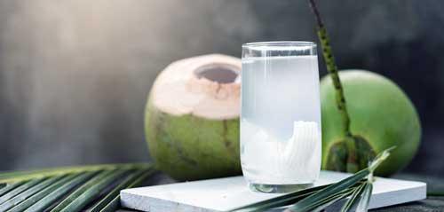 beneficios del agua de coco en ayunas